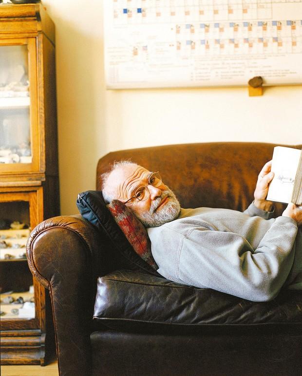 Oliver Sacks, em sua casa, em 2001 (Jurgen Frank/Corbis)